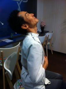 胸腺を動かす体操。